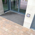 Centre Parcs - Disable entrance - Clean Brush 04